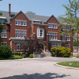 Macdonald_Hall_University_of_Guelph